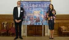 H.K.H. Kronprinsessen afslører årets Julemærke