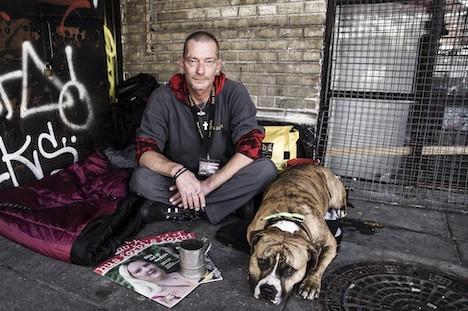 Ny meningsmåling: Foreninger er bedre til at hjælpe hjemløse end det offentlige
