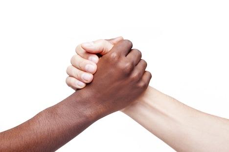 Stop racismen - Byg bro - Forsvar fællesskabet