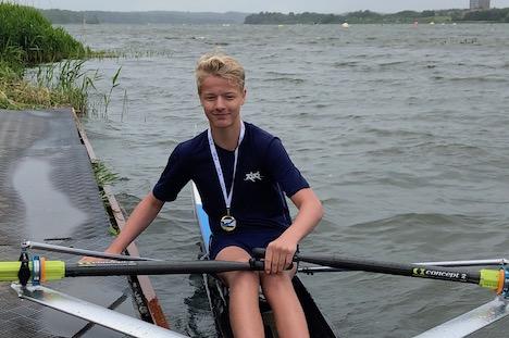 Ungdomsroer Oliver Bach vandt guld