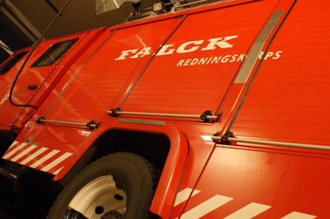 Opdatering: Person fundet død efter brand i sommerhus