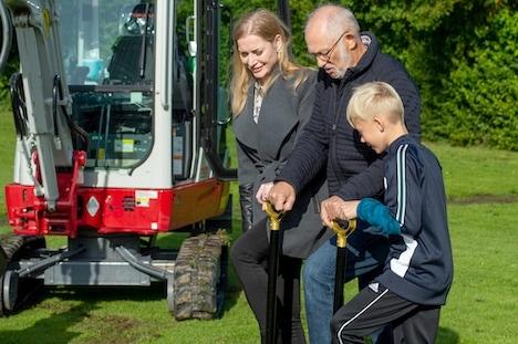 11-årig hjælper Louise Høgh med første spadestik i HIKC