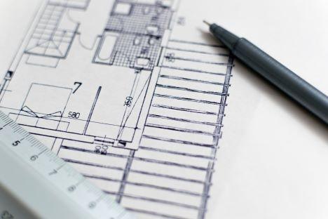 Mange byggesager fører til øget fokus på sagsbehandling og mindre vejledning