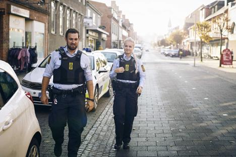 Et smut forbi politigården hjalp på samarbejdet